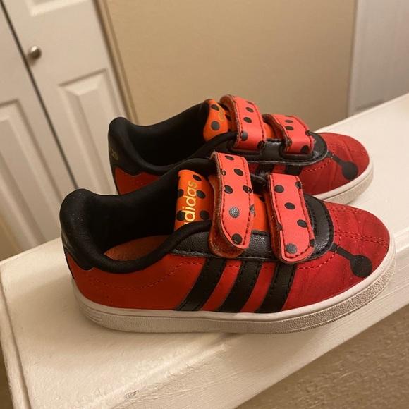 Adidas Neo Animal Ladybug